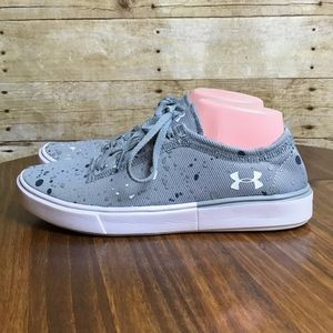 UNDER ARMOUR KICK IT 2 YOUTH SIZE 6 SHOES